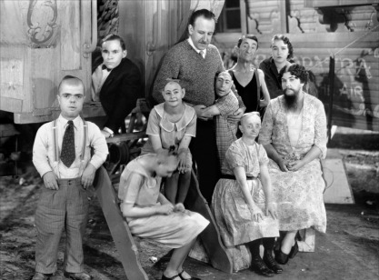 tod-browning-freaks-behind-the-scenes.jpg