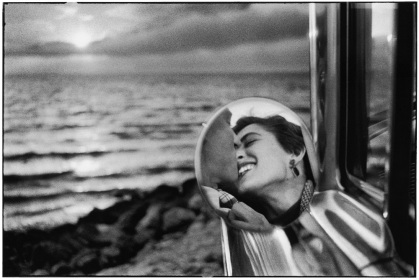 USA.-California.-1956.-©-Elliott-Erwitt-MAGNUM-PHOTOS